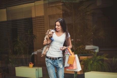 shoppe med sit kæledyr