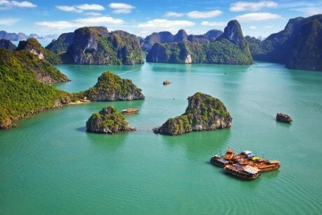 Ha Long-bugten er et vandområde på 1.500 km² i det nordlige Vietnam i Sydøstasien