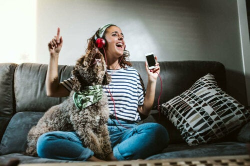 Ejer, der hører musik