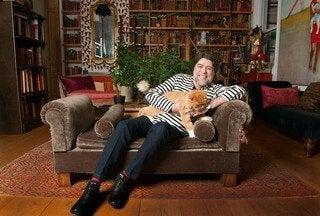 ホアキン・サビーナと猫に対する彼の情熱
