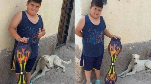 En gutt selger rullebrettet sitt for å kjøpe medisiner til en løshund