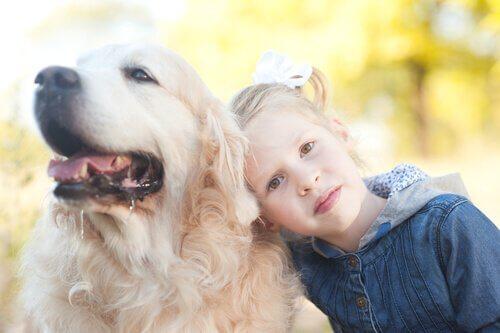 Barn og kjæledyr – Et godt vennskap