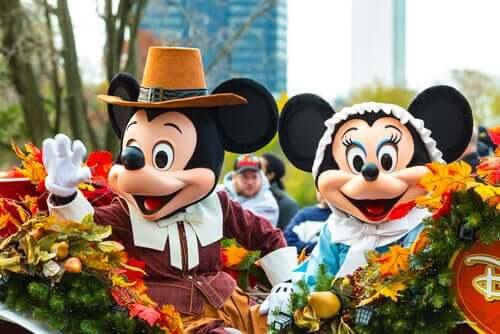 Merkmascottes van Disney Mickey en Minnie Mouse
