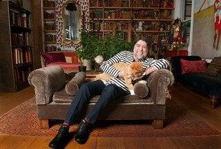 Mannen Joaquín Sabina och hans katter