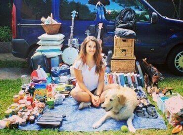 Hur en kvinna byggde om en skåpbil för att resa med sin hund
