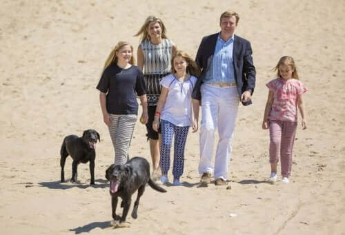 The Dutch royal family and their dogs.