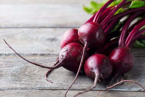 The Health Benefits of Red Beet for Dogs