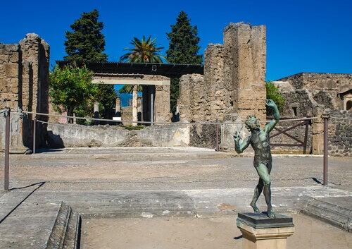 A statue of a faun.